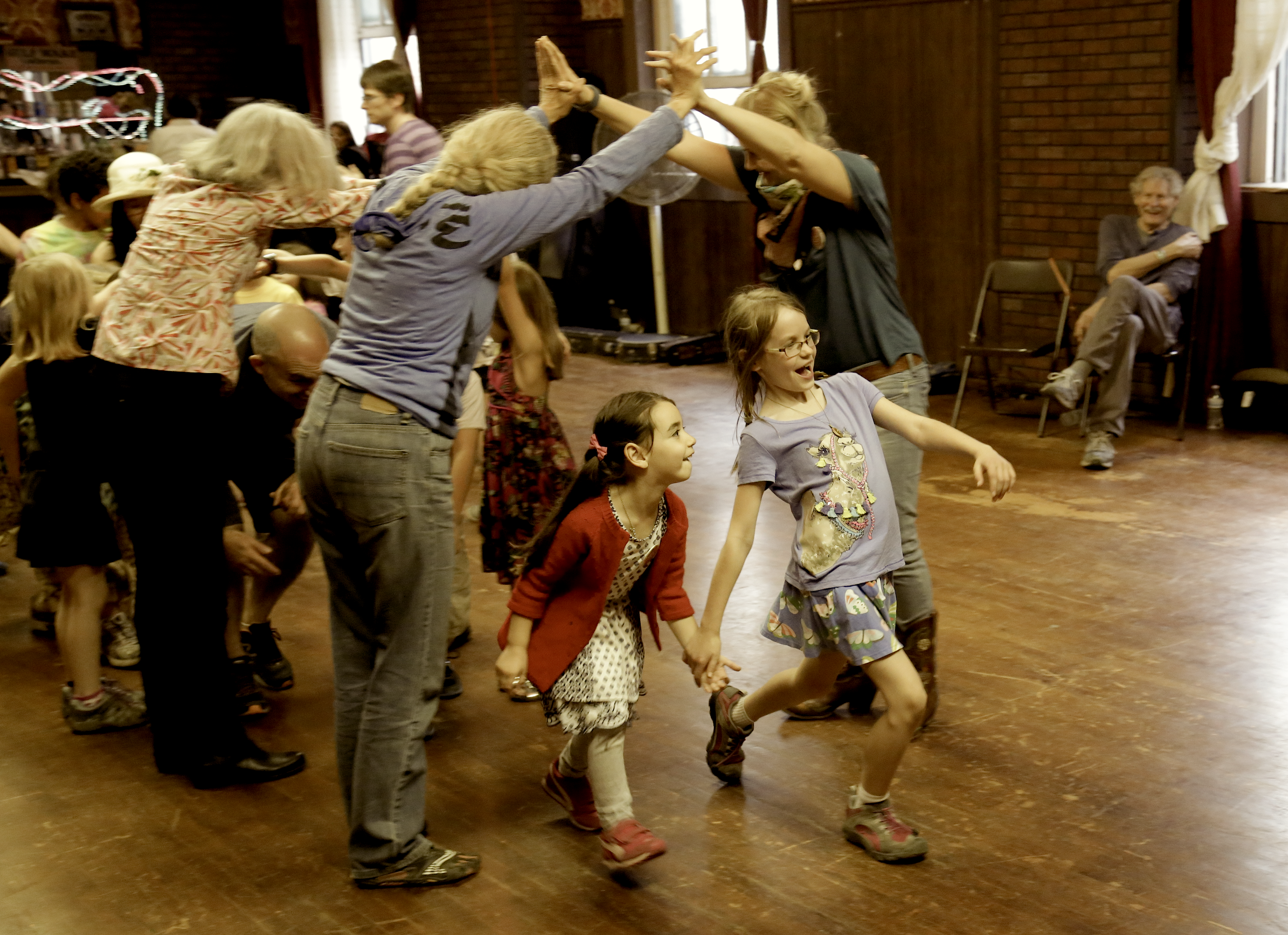 laots-family-dance-copy